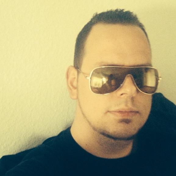 DJSnoop1985
